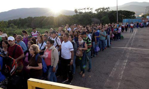 Duque aposta suas fichas políticas na legalização de venezuelanos